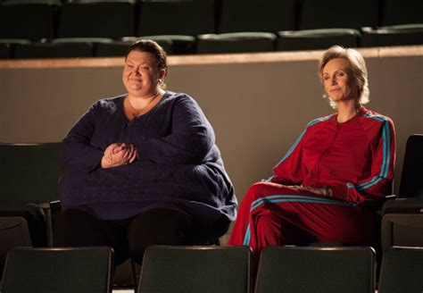 Glee 4×10 'Glee, Actually' review: Not actually about Love