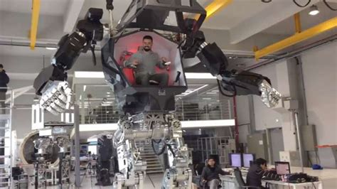 World's First Supersized Manned Mech Takes Its First Steps
