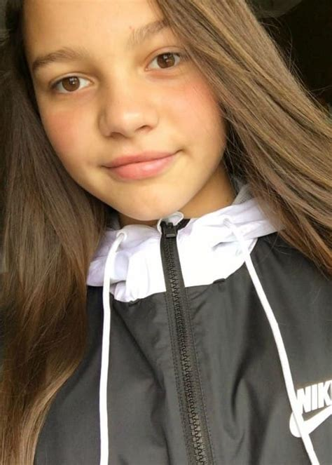 Aaliyah Mendes Height, Weight, Age, Body Statistics