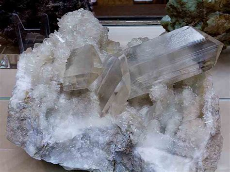 Gypsum Forms in an Unexpected Way - Eos