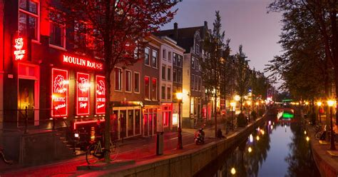 Amsterdam to ban guided tours of its Red Light District
