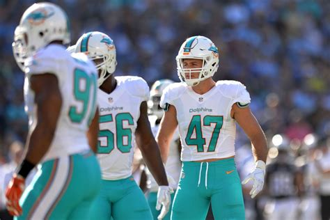 Kiko Alonso agrees to a 3-year extension with the Dolphins