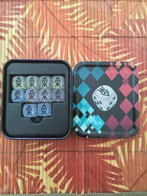 New Harlequin dice are just as sexy as advertised