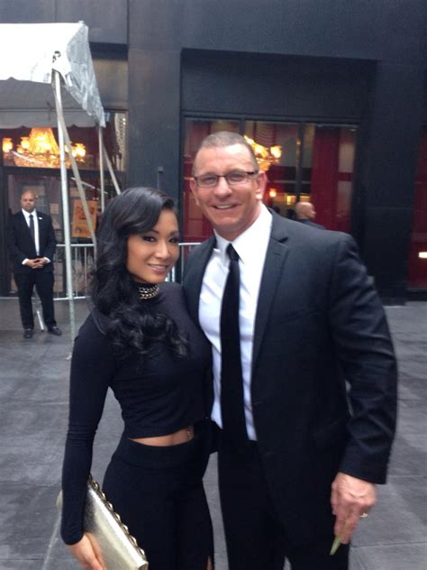 """Robert Irvine on Twitter: """"OMG my wife is smoking hot, at"""