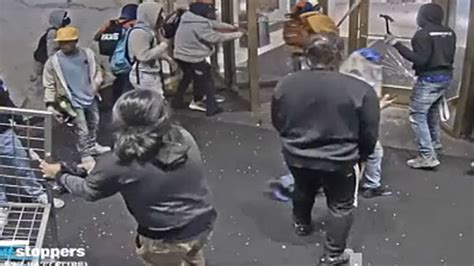 Video shows Macy's Herald Square looting suspects - ABC7