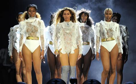 Beyoncé called fans on stage to dance to 'Single Ladies