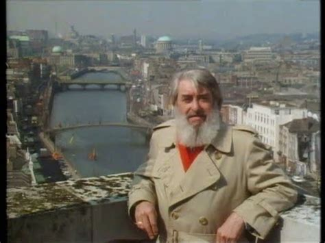 The Dubliners' Guide to Dublin City - YouTube
