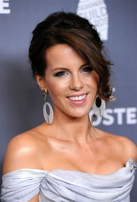 Kate Beckinsale Feet, Height and Age